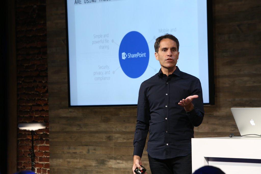 Jeff Teper präsentiert SharePoint 2016