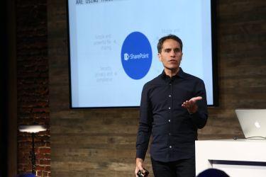 SharePoint- und Office 365-Chef Jeff Teper bei der Vorstellung von SharePoint 2016