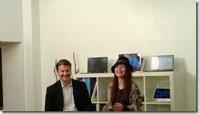 Microsofts Marketing-Chef Klaus von Rottkay präsentiert sich mit Cosma Shiva Hagen